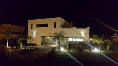 Venta Casa En Haras Santa Maria 6 Ambientes 2 Suite 4 Baños