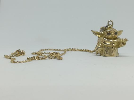 Dije Baby Yoda The Child The Mandalorian Bronce Star Wars
