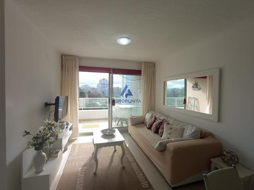Apartamento 2 Dormitorios Con Servicios En Venta - Ref: 3068