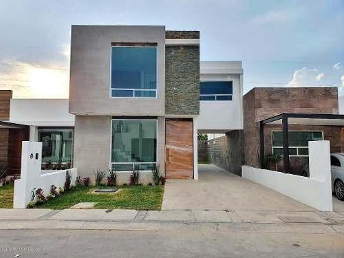 Casa En Venta En El Roble, Corregidora, Rah-mx-20-117