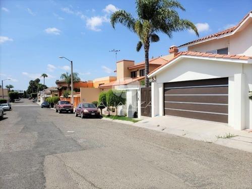 Casa En Venta Lomas De Agua Caliente, Tijuana