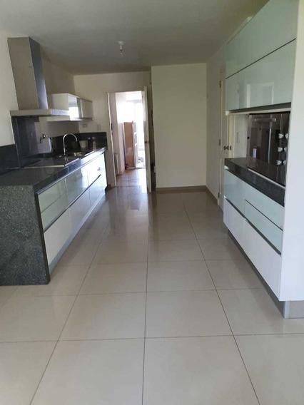 Departamento De 2 Dormitorios En Alquiler En Chateau Village - Villa Belgrano