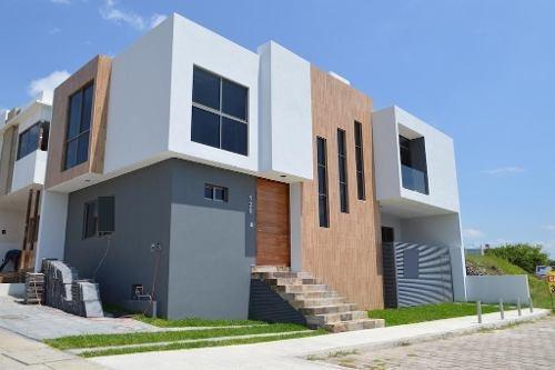 Casa 4 Habitaciones - Fraccionamiento Argenta