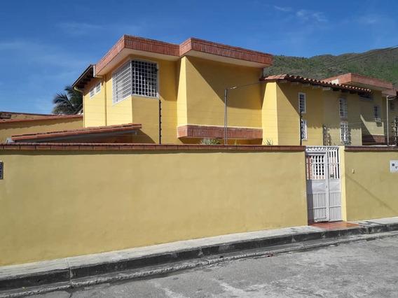 Se Vende Town House El Castaño 3 Hab 3 Baños 04243040560
