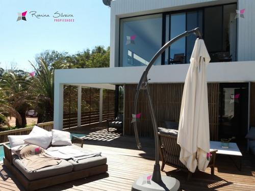 Excelente Casa En Santa Monica Frente Al Mar- Ref: 8563