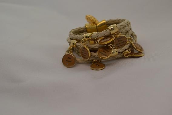 Bracelete De Couro Bege 10 Mandamentos Em Dourado E Resina