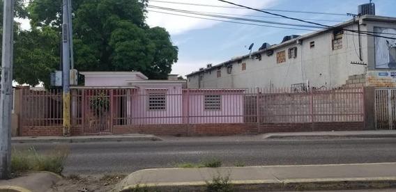 Casa En Venta Avenida Pomona