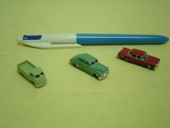 Miniaturas Automóveis Escala N. - Kombi - Ford - Crysler -