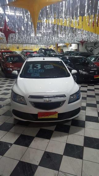 Chevrolet Prisma 1.4 Lt Ano 2013 Branco 5 Portas