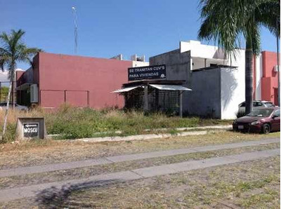 Terreno En Renta En Esquina Fracc. Real Santa Fe Sobre Av. Prolongacion Hidalgo