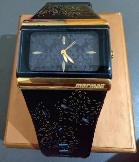 Relógio Mormaii - Pulseira Preta Com Detalhes Azul Celeste.
