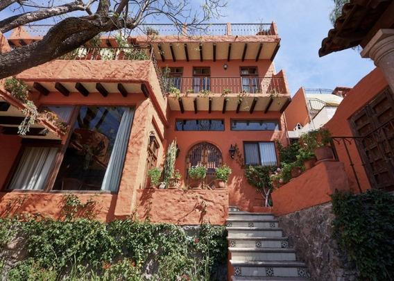 Casa Ladrillera