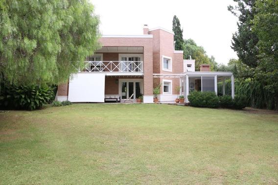 Casa En Venta Country Lomas De La Carolina - 4 Dormitorios