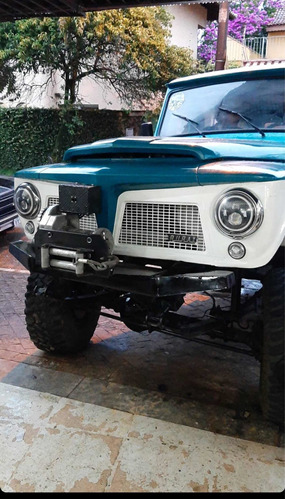 Ford Rural 4x4