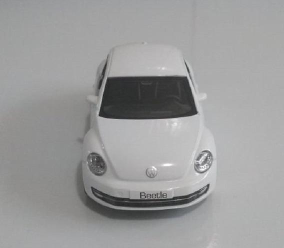Miniatura Volkswagen New Beetle Branco Escala 1/32