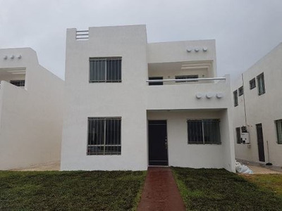 Hermosa Casa En Renta Ubicada En Fraccionamiento Las Américas