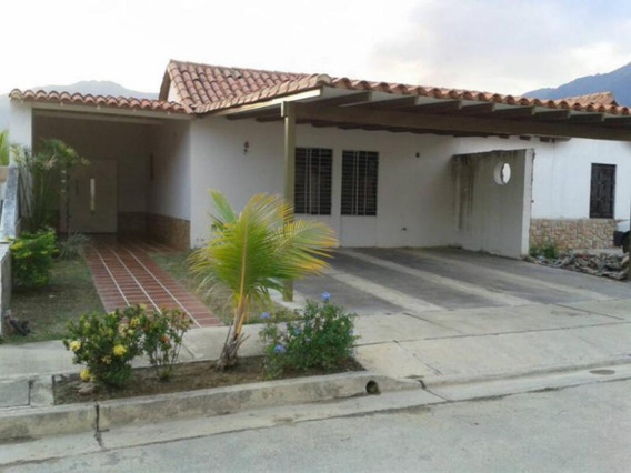 Mh Townhouse Venta La Cumaca