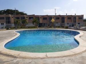 Townhouse En Venta Sabana Del Medio,san D Cod 20-9093 Ddr