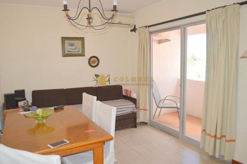 Apartamento En Peninsula De 1 Dormitorio, 1 Baño (reciclado) Cocina Definida (mejorada) Living Comedor Con Salida A Balcón Y Garaje Cubierto Con Baule- Ref: 2352