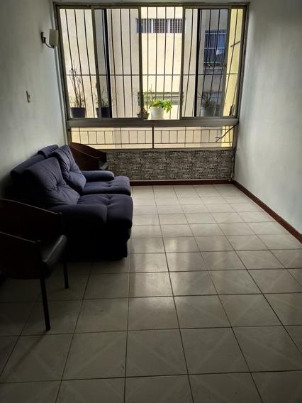 Alquiler De Apartamento 84 Mts2. En Bello Campo 84 M