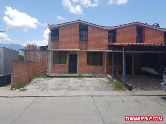 Townhouses En Venta Guarenas Nueva Casarapa 19-15415 Fn