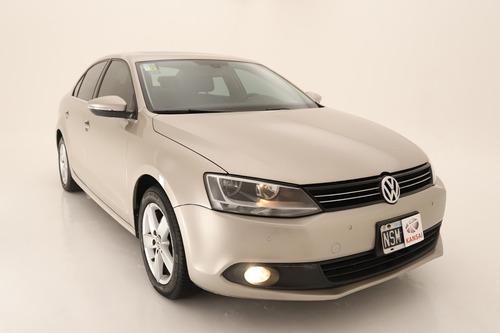 Volkswagen Vento 2.5 Luxury Tiptronic 2014