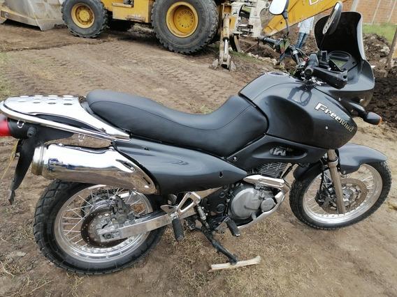 Suzuki 2005