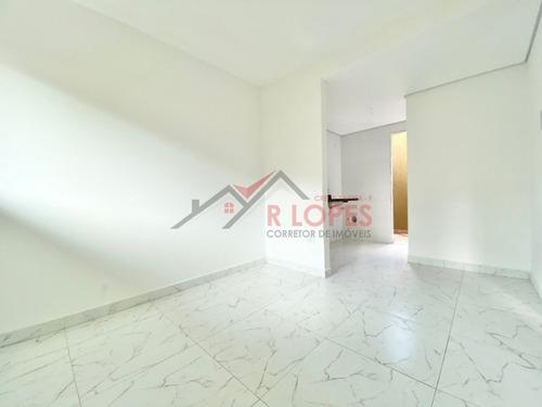 Lindo Apartamento Em Condomínio Fechado Para Venda No Bairro Parada Xv De Novembro, 2 Dorm, 1 Vaga. - 2174
