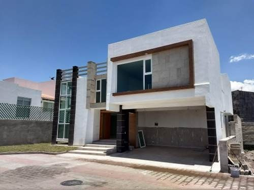 Residencia En Privada, Metepec