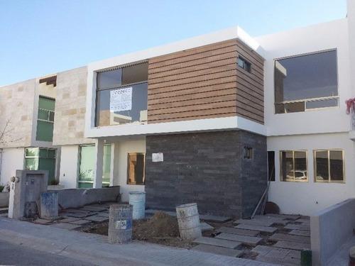 Zen House El Mirador, 3 Recámaras, 3.5 Baños Roof Garden, Alberca, Lujo!