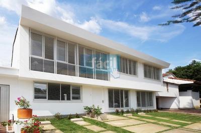 Casa En Prados Del Norte - Consultorios