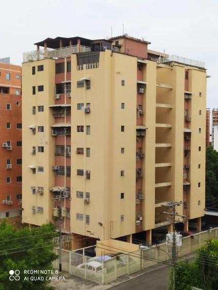 Apartamento En Venta Urb. El Bosque 0412-8887550