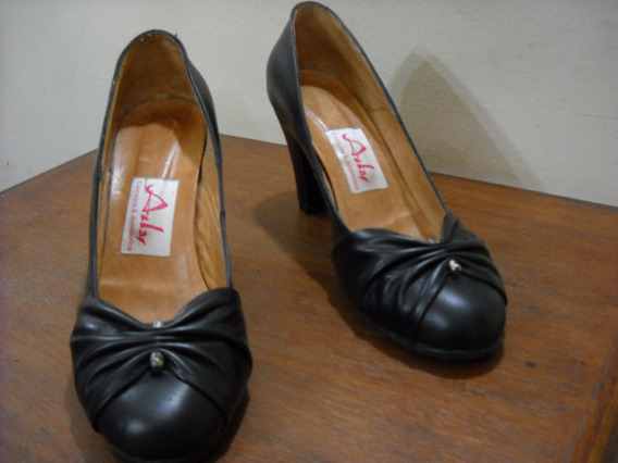 Stilettos De Cuero N°41. By Atlas. Color: Negro. Oferta!!!