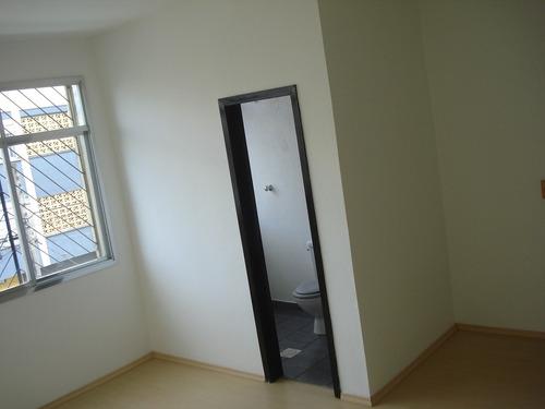 Imagem 1 de 9 de Comercial Para Aluguel, 0 Dormitórios, Glória - Porto Alegre - 122