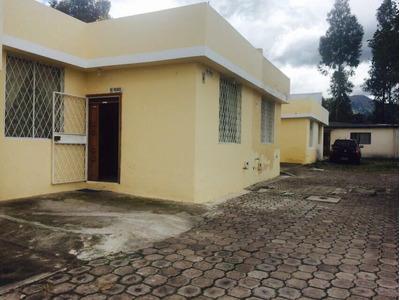 De Oportunidad Casa De 3 Dormitorios Y 2 Baños En Ibarra