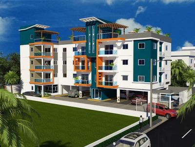 Proyecto De Apartamentos En Construcción En Villa Aura