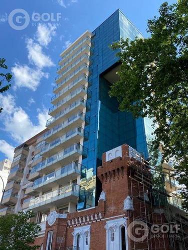 Alquilo Apartamento De 1 Dormitorio Con Terraza Al Frente, Garaje, Barbacoas,  Punta Carretas