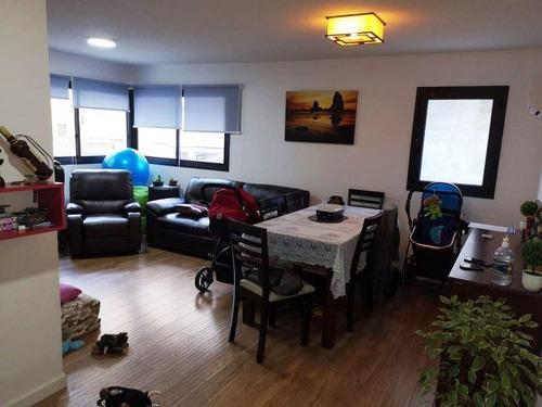 Apartamento Al Frente...a Mtrs De 18 De Julio !!