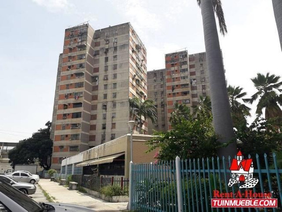 Apartamentos En Venta Av Ayacucho, Maracay 19-14949 Hcc