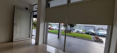 Local Comercial En Alquiler Anual De 45 M2 En Roosevelt - Punta Del Este- Ref: 21931