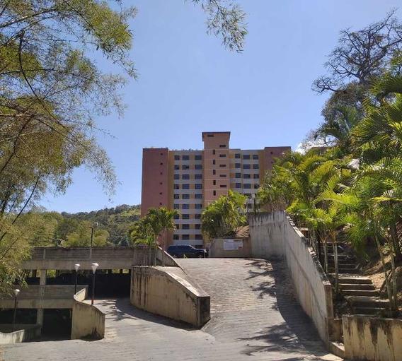 Se Vende Apto 72m2 2h/2b/1p Parque Caiza