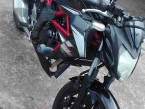 Kawasaki 250 Negra