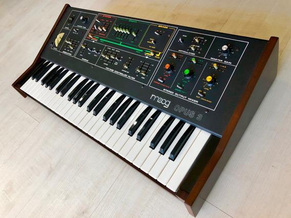 Moog Opus 3 , Sintetizador Analogico , Polifonico