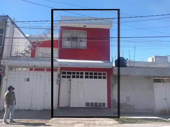 Casa En Venta A Pie De Calle Atrás De Cruz Del Sur