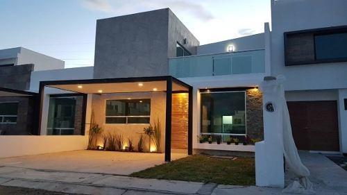 Hermosa Casa En Villas El Roble, 3 Recamaras, 3 Baños, Sala Tv, Alberca, Lujo !!
