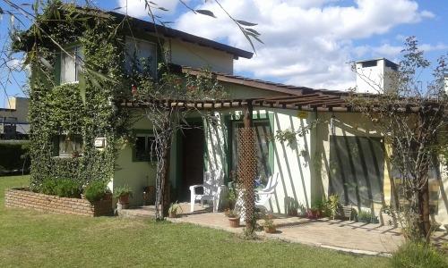 Vivienda Ubicada A 300m Del Asfalto En Barrio 4 Horizontes.
