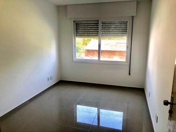 Apartamento Em Camaquã Com 1 Dormitório - Vz5729
