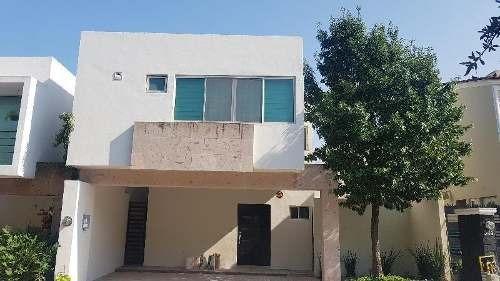 Casa Sola En Renta En Cumbres Le Fontaine, Monterrey, Nuevo León
