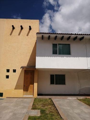 Casa En Renta En Corregidora Quintas Del Bosque, 3 Recamaras, Fraccionamiento