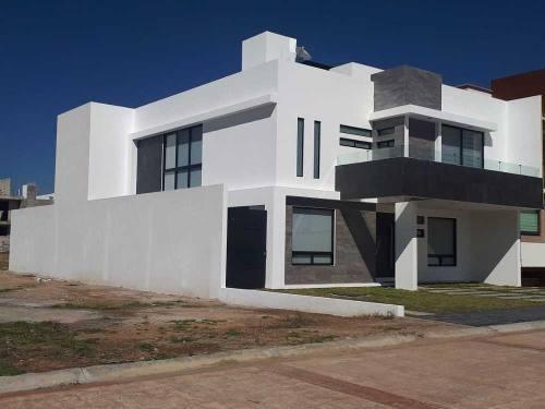 Hermosa Residencia En Fracc. Dolores, Pachuca